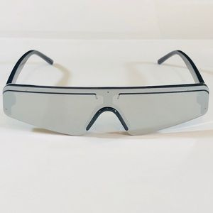 8121a2749 Other - Black Silver Mirror Lens Flat Top Sunglasses